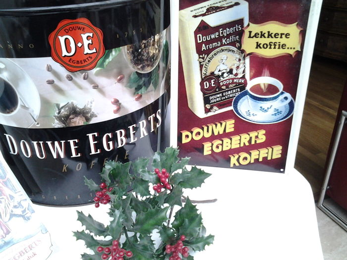 "4 x Douwe Egberts - shop tin 19th century + DE unique issue: ""van Winkelnering tot Wereldmerk. 1987 e.d."