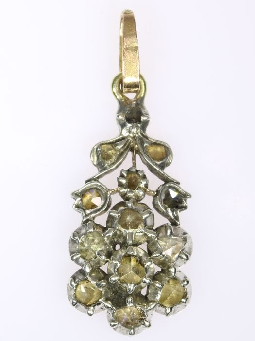 Cute Victorian yellow gold flower pendant with diamonds encrusted in silver top - anno 1830 - **No Reserve Price**