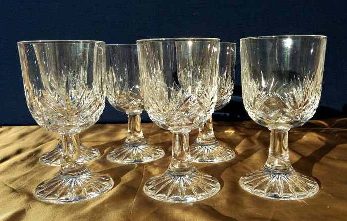 Set of 6 splendid crystal glasses mouth-blown, cut and carved by hand, France - early 20th century