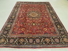 Signed Classic Central Medalion Design Hand Woven  Persian Mashad Rug