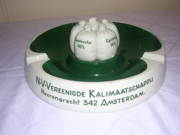 Very large porcelain ashtray - N.V.Vereenigde Kalimaatschappij Heerengracht 342 Amsterdam - 1940s/50s - Netherlands