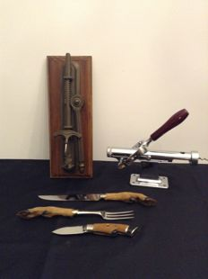 2 Beautiful wall corkscrews with worm and hunting cutlery with handles of the leg of a deer