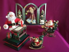 4 Piece lot Christmas decorations including a triptych, Santa Claus with music and light, musical box, sleigh