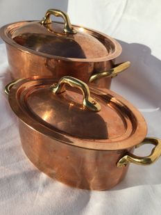 Two beautiful oval cooking pots with lid — tinned copper, Made in France VILLEDIEU