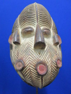 Mask with three faces SONGYE or SONGWE - Congo, 2nd half 20th century