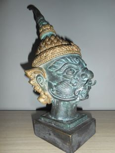 Head of a demon (Yaksha) – Thailand – late 20th century (30 cm)