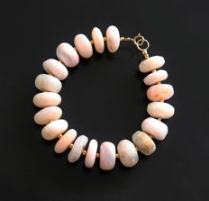 Pink opal bracelet with 14 kt gold clasp - 20.3 cm - 205 ct