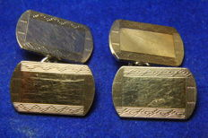Pair of cufflinks from the 1930s by H G & S 9 kt gold and silver