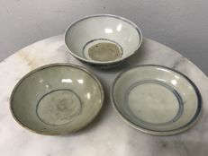 3 Porcelain B/W Bowls.and Plates - China - Ming Dynasty 16th Century.
