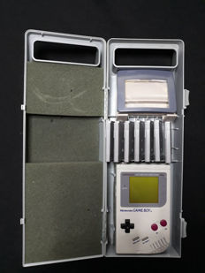 Nintendo Gameboy set incl. 7 games like Kid Icarus + Super Marioland 2 and more