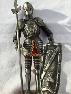 Beautifully handmade knight in armour — Chevalier