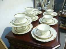 Edelstein, Maria Theresia, Coffee/Tea (Dessert) service for 8 persons, with gold edges.