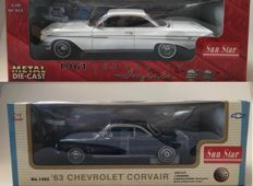 Sun Star - Scale 1/18 - Chevrolet Impala Sport Coupe 1961 & Chevrolet Corvair 1963