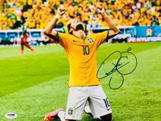 Neymar JR #11 / Fc Barcelona - Amazing Signed Professional Photo ( 25x35cm ) - with Certificate of Authenticity PSA/DNA