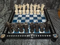 Harry Potter chess set + 47 piece chess course + Harry Potter watch + many accessories - very good condition