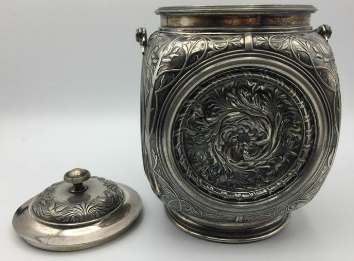 Antique English Tobacco Pot Silver-plated Of The Renowned
