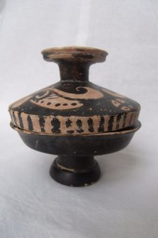 Greek South Italin Ceramic Lekanis - 90 mm