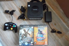 Nintendo gamecube + control + 11 games in box with manual like beyblade+king kong