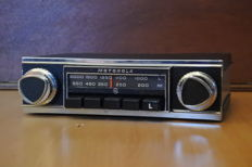 Motorola 114 LM 010 classic English car radio from 1970
