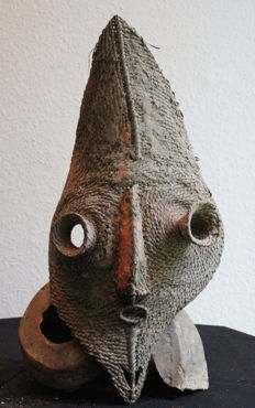 Talipun Mask Primitive Money with Turbo Marmoratus Shell