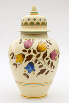 Plateelbakkerij Zuid-Holland - Large lidded vase, decor Christianni