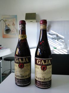 1x 1962 & 1x without vintage label Barbaresco Gaja - 2 Bottles