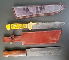 2 Exclusive knife sets; Original Damascus Steel hunting knives - handmade hunting knife with cow leather sheath