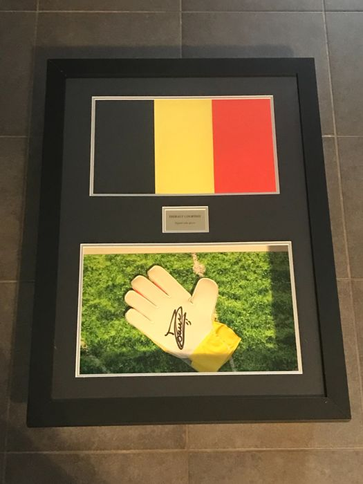 Thibaut Courtois autographed framed Nike goalkeepers glove in 3D frame with COA