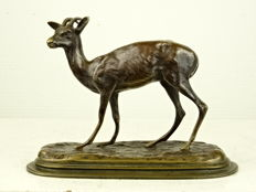 Agathon Léonard (1841 - 1923)- bronze sculpture of a deer - ca. 1900