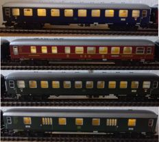 Marklin H0 - 4027/4022/4024/4026 - 2x passenger carriage, 1x restoration carriage and 1x luggage carriage, all with stabilised LED lighting and LED rear lighting (49)