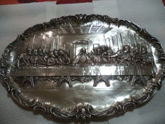 Plate from the Sacred Supper of Jesus with his disciples, 19th century, well preserved. 42 cm long x 30 cm