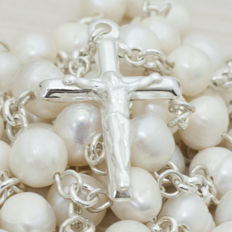 ROSARY made of pearls mounted on sterling silver - Length: 75 cm