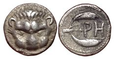 Greek Antiquity - Bruttium, Rhegion c. 415/410-387 BC - AR Litra (Silver; 10mm; 0,78g.) - Lion scalp / PH with olive leaves - Rutter HN Italy 2499; SNG ANS 670; SNG Cop. 1936