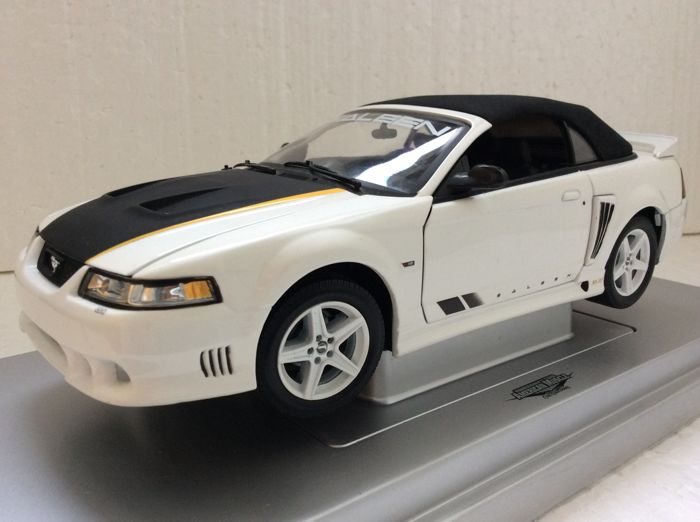Ertl - 1:18 - 2004 Saleen Mustang S281 SA20 - 20 th anniversary edition