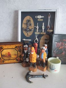 Lot vintage maritime items