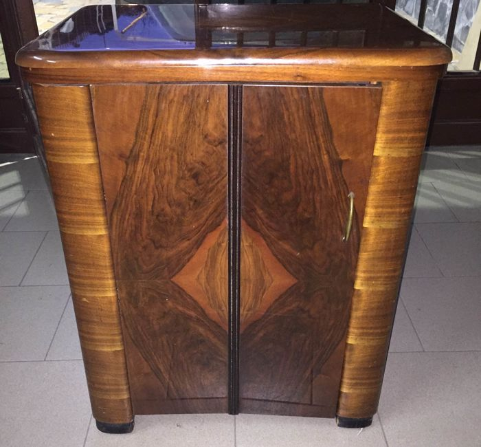 Singer Sewing Machine   Art Deco Style Wooden Cabinet   20th Century