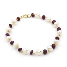 18 kt (750/1000) yellow gold - Bracelet - Rubies - Pearls - Length: 20 cm (approx.)