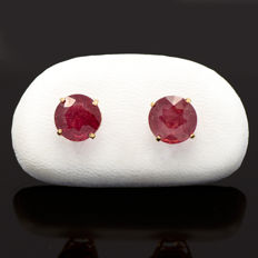14k/575 yellow gold earrings with two transparents rubies red blood colour - Total gemstones weight 2.66 cts.