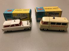 Corgi Toys - Scale 1/46 - Ford Zephyr Police No.419 and Commer Ambulance No.463