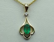 14 Ct Yellow Gold Chain and Emerald Pendant With Diamond, Emerald :0.50ct, Diamond 0.03Ct, Chain 45cm , pendant :2.5cm,Total Weight 2.91g