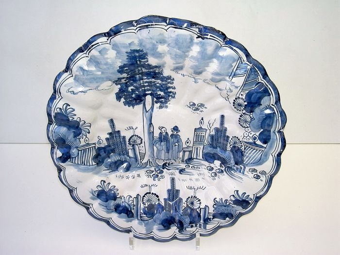Large Pleated Plate With Chinoiserie Decor Early 18th Century Catawiki