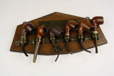 Wooden pipe rack with six pipes of various brands - 20th century