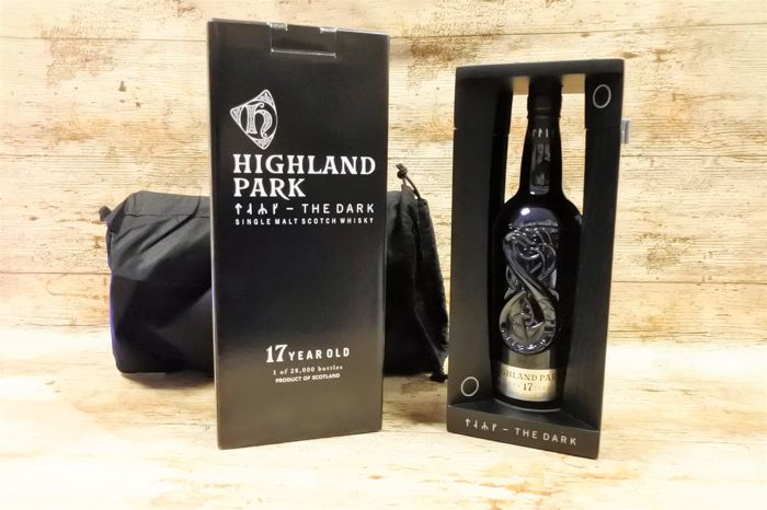 Highland Park 17 YO The Dark in original luxury wooden showbox