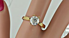 1.21 ct round diamond ring made of 18 kt yellow gold - size 8