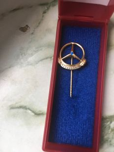 Mercedes-Benz pin 333 ct yellow gold