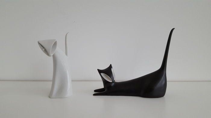 Jaroslav Jezek for Royal Dux black stylized lying cat and white sitting cat Art Deco style