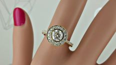 1.14 ct E/VS1  round diamond ring made of 14 kt yellow gold - size 7