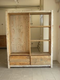 Entryway closet in treated solid first grade pine wood - made in Italy - recent