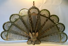 A beautifully detailed Range Fireplace screen in bronze/Brass, first half of the 20th century, France