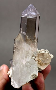 Beautiful tall Smoky Quartz crystal with sherry brown Topaz crystal - 8x6.6x8.8 CM - 177g